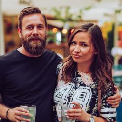 Fuksi ja Seniorit dating? Häntä ja hänen dating site Alumiini Joulukuuset · Tinder Dating Vihjeitä: Lopulliset Script piristymisen tyttöjen.